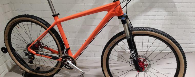 Krakende carbon mountainbike